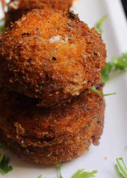 Fried Onion Rings(filled with Hung curd, spinach and fresh paneer)