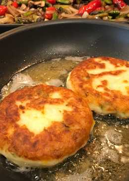 Leftover Mashed Potato Croquettes with Cheese & Green Onions