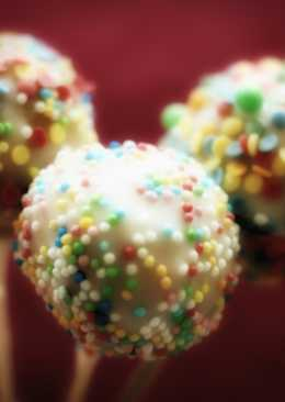 Cake Pops based on Vanilla Cake