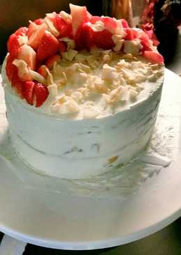 Strawberry piña colada cake