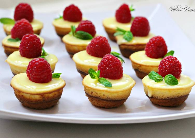 Sponge Cake Recipe Lemon Curd: Mini Lemon Sponge Cheesecakes With Lemon Curd Recipe By