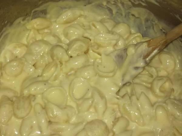 Creamy Homemade Macaroni and Cheese