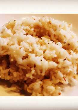 Simple Garlic Fried Rice