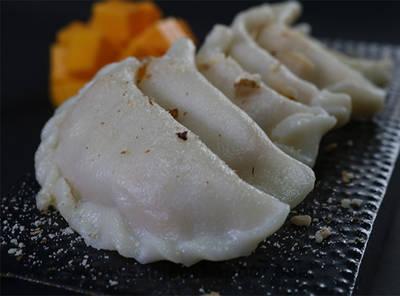 Steamed Mango Dumplings