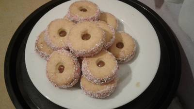 Jam tarts with coconut