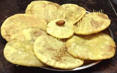 Sajjappa (coconut sooji sweet kachori)