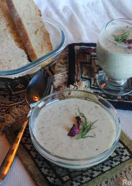 Cucumber soup with yogurt, raisins and walnut (Aab- dogh khiar)