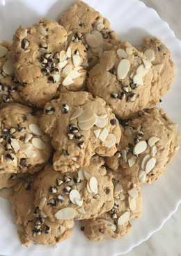 Soft-cookies with almonds
