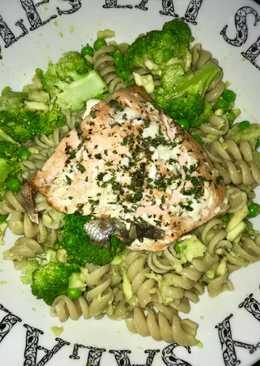 Salmon and avo pasta