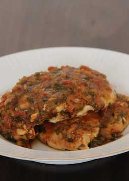 Chicken With Veggie Heavy Tomato Sauce