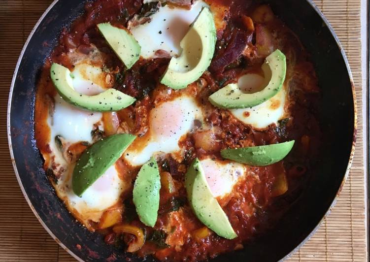 Huevos Rancheros (Spicy Mexican breakfast / brunch)