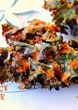 """Vegan Smoked """"Pepperjack-Bacon"""" Kale Chips (Gluten free, Soy Free, Nut free, Raw, Vegan)"""