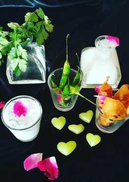 Paneer stik with yogurt dip