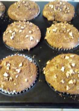 APPLE & CINNAMON breakfast muffins with walnuts