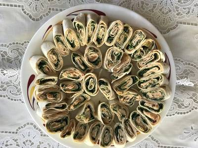 Pin wheel spinach and cheese wraps