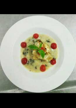 Pan Fried Chicken with Mushroom Veloute Sauce