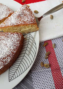 Nutty cinnamon-orange cake