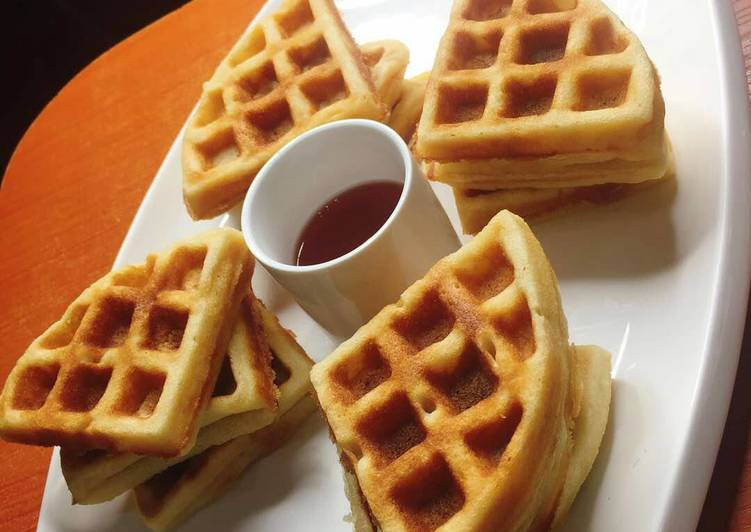 Waffle and syrup