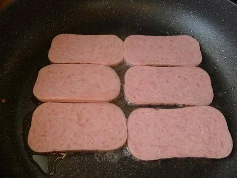 how to cook spam and eggs