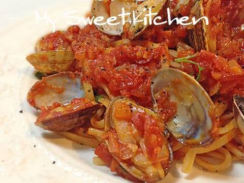 Vongole Tomato Sauce Well With Tomato Sauce