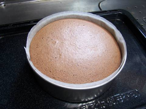 How To Check If Your Sponge Cake Is Done