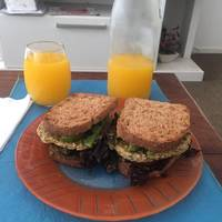 Hamburguesas de arroz yamaní y verduras (vegetariano) 💜