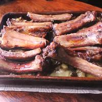 Costillas adobadas de cerdo con patatas al horno😋😋