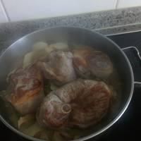 Cerdo con patatas