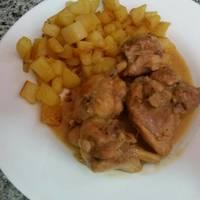 Pollo con cebolla al limón