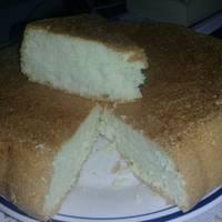 Pastel espumoso con claras de huevo.