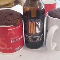 Mug cake de cerveza negra y chocolate