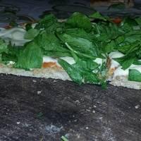 Pizza integral con verdura y ricota