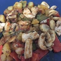 Pechuga de pollo con verduras al sartén