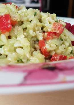 Ensalada de aguacate y arroz integral