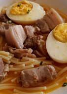 Fideos a la Cazuela con Costillón, Panceta, Salchichas y Huevo Duro