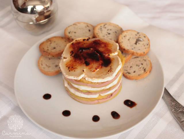 5 aperitivos muy fáciles y rápidos para Navidad - Receta de milhojas de foie y queso de cabra