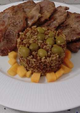 Cabeza de lomo a la plancha y salteado de arroz con quinoa