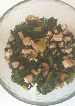 Kale con espinacas y tofu