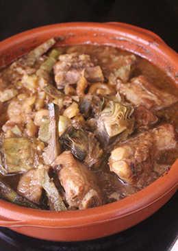 Estofado de costillas con castañas y alcachofas