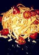 Spaguettis integrales con cherry y parmesano