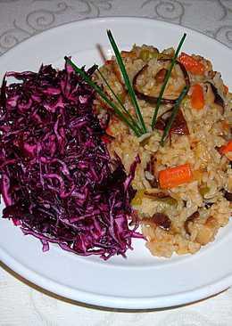 Arroz con setas shiitake y ensalada de col lombarda - vegano