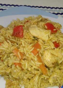 Arroz con pollo y verduras al curry