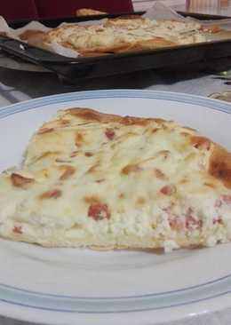 Pizza de beicon y espuma de queso