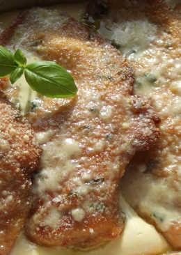 Milanesas de pollo con crema de quesos