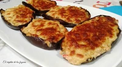 Berenjenas con crema de queso y vegetales