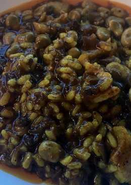Arroz meloso de panceta, morcilla y habitas