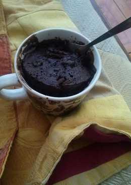 Mug cake de chocolate y avellanas 1:30 segundos en microondas