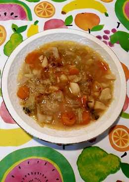Sopa de col, patata y zanahoria con especias