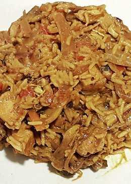 Arroz basmati con pollo al curry y mango