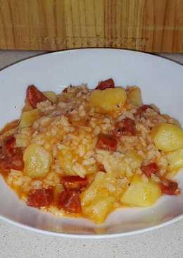 Patatas con chorizo y arroz